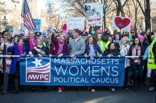 Women's March for America in Boston, Commonwealth Avenue (Jesse Costa/WBUR)
